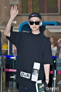 [Picture+Video/Media] BTS at Gimpo Airport Go To Japan [160527]