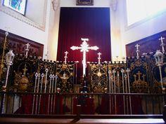 Catedral.Capilla Penitencial. En ella esta el Cristo de la Piedad. Durante la Semana Santa estan los emblemas de la hermandad que lo procesiona. Foto : Semana Santa 2016