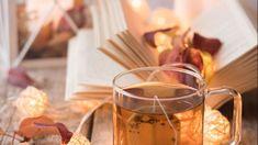 10 libri da leggere in compagnia di una tazza di tè - Five o' clock tea Tea Blog, Alcoholic Drinks, Food, Essen, Liquor Drinks, Meals, Alcoholic Beverages, Yemek, Liquor