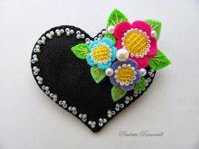 blk heart / corner flowers pin