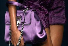 Fashion-Week Mailand: Ermanno Scervino zeigte Satin und Pelz. Mehr zur Mailänder Modewoche: http://www.nachrichten.at/nachrichten/society/Generationswechsel-auf-Italienisch;art411,1314605 (Bild: epa)