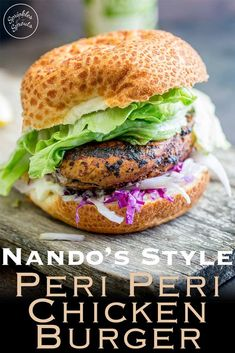This juicy Peri Peri chicken burger is perfect for Nando lovers. The homemade marinade takes the humble chicken breast and turns it into a juicy and delicious dinner. Plus the fennel slaw! Oh so refreshing and perfect against the slight spicy of the bur Healthy Sandwich Recipes, Turkey Burger Recipes, Lunch Recipes, Dinner Recipes, Sandwich Ideas, Dinner Ideas, Healthy Food, Healthy Eating, Nando's Chicken