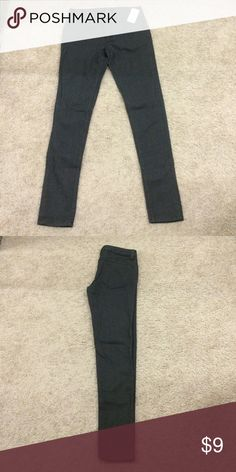 FINAL PRICE- Brand New with tags Forever 21 denims PRICE DROPBRAND NEW Forever 21 skinny jeans : grey/black, unused, with tags. These have a shiny look and can be easily dressed up :) come from a smoke free home :) Forever 21 Jeans Skinny