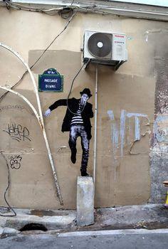 Charles Leval, alias Levalet Incroyable et Astucieux Street Art à Paris (8)