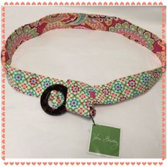 🎉HP 12/30/15🎉 VB Capri Melon Belt 🎉Pretty, Flirty & Girly HP on 12/30/15 by @elenaopossum🎉 NWT retired print. Reversible and with a tortoise shell buckle. Fabric belt ⚠️PRICE FIRM⚠️ Vera Bradley Accessories Belts