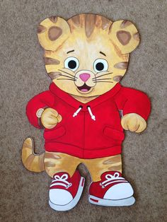 Daniel Tiger Cake Decorations | Daniel tiger painting. Contact me for your birthday decor !