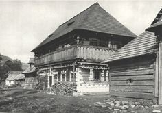 #Čičmany #Považie #Slovensko #Словакия #Slovakia Nassau, Czech Republic, Old Photos, Westerns, Louvre, Europe, Cabin, Retro, House Styles