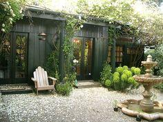 Incredible and cozy backyard studio shed design ideas Cozy Backyard, Backyard Studio, Backyard Retreat, Outdoor Rooms, Outdoor Gardens, Outdoor Living, Outdoor Office, Shed Design, Garden Design