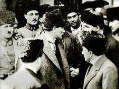 Mustafa Kemal ordu müfettişi sıfatıyla Samsun'a hareket etti. Kendisine yüklediği görev, Milli Mücadele'yi örgütlemekti.. 16 Mayıs 1919