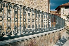 Cast-iron railings – 9502.0545VS http://www.modus.sm/en/products/railings/cast-iron-railings/9502-0545vsls/9502-0545vs.asp?ID0=1291&ID0_=1291&ID1=1312&ID1_=1312&ID2=1339&ID2_=1339&ID3=1656&ID3_=1656&IDProdotto=1346&L=EN #Modus #ModusRailings #outdoorfurniture #inspiration #castiron #railing #castironrailing #ghisa #ringhiera #ringhierainghisa #centralrose #grey #balconies #design #architecture #follow