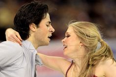 Kaitlyn Weaver Photo - 2012 Four Continents Figure Skating Championships - Day 4