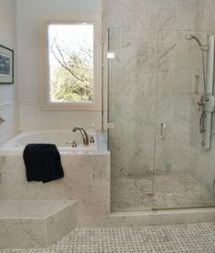 Small En-Suite Bathroom - Mini bathtub