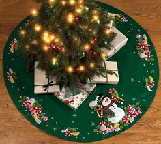 Bucilla Candy Snowman Tree Skirt Felt Applique Kit 86307 Round >>> Read more at the image link. Christmas Stocking Kits, Felt Christmas Stockings, Christmas Crafts, Christmas Decorations, Crochet Christmas, Christmas Trees, Candy Wreath, Felt Tree, Felt Applique