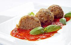 Chiftelute de vinete la cuptor Meatloaf, Baked Potato, Potatoes, Beef, Baking, Ethnic Recipes, Mai, Food, Kitchens