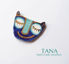Ceramic brooch multicolored  cat LOUISE with gold. by Tanaart