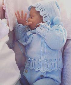 Qué guapo y calentito va con su conjuntito de @littlejulieta_babyclothing Lovely❤️❤️•••Si te gusta déjanos un comentario, nos importa!! Gracias!! #modaespañola #modainfantil #ropaespañola #ropainfantil #hechoenespaña #madeinspain #modaespaña #kidsstyle #niñasconestilo #spain #modainfantilchic #kidsfashion #cutekidsfashion#fashionkids #baby#babygirl#sweetbaby#babyfashion #cutekidsclub#instababy#littlebaby#modainfantilespañola #modainfantilmadeinspain