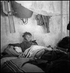 Mémorial du Camp de Rivesaltes - Mémorial de Rivesaltes Nerja Spain, 1950, Poor Children, Civilization, Old Photos, Spanish, Sad, Faces, People