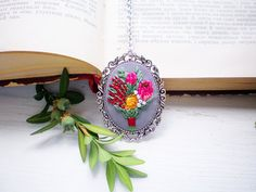 Embroidered pink yellow bride protea flower necklace Bohemian