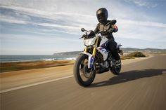 A marca alemã acaba de apresentar ao mundo as suas novas motos de 300cc. Uma aposta forte num segmento de mercado muito competitivo e em franco crescimento.