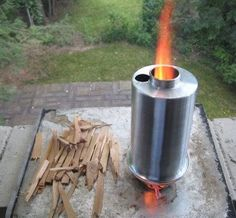 The Backcountry Boiler is a camp stove of sorts that combines the functionality of a cooking pot and a stove into one. It eliminates the dependency on gas or other liquid fuel to heat water in the outback. Truck Camping, Camping Stove, Camping Survival, Survival Gear, Camping Gear, Rocket Heater, Rocket Stoves, Boiler Stoves, Wood Fuel