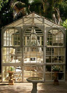 Voici 19 sublimes abris de jardin spécialement pour les femmes !