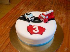 Heroes of the city Best Chocolate Cake, Cake Decorating, Birthday Parties, Cake Ideas, Kid Stuff, Desserts, Kids, Amazing, Hair