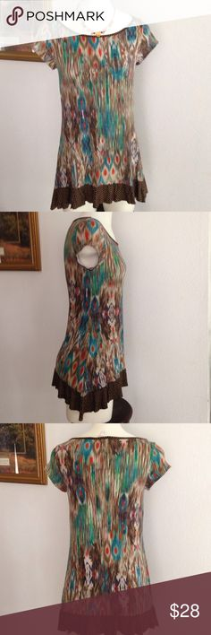 Western wear top Very cute top with black tights or jeans. So comfy and elegant! Lightly used western wear Tops