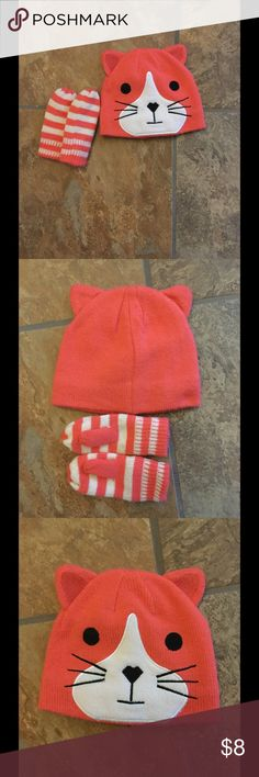 Toddler Girls Hat and Glave Set Cute Kitty Hat with Mitten.  Used one winter, gently used. Matching Sets