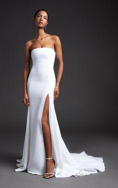 Get inspired and discover Cushnie Bridal trunkshow! Shop the latest Cushnie Bridal collection at Moda Operandi. Wedding Dress Trends, Bridal Wedding Dresses, Bridal Style, Wedding Ideas, Strapless Dress Formal, Prom Dresses, Formal Dresses, Dress Vestidos, Bridal Fashion Week