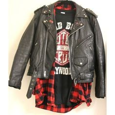 Rock and Roll Vintage Moto Jacket (Handmade) with Rock Bands patch for Men Best Picture For glam Rock Style For Your Taste You are looking for something Punk Outfits, Cool Outfits, Rock Band Outfits, Rocker Style Men, Looks Rock, Rock And Roll Fashion, Rocker Outfit, Swagg, Moto Jacket