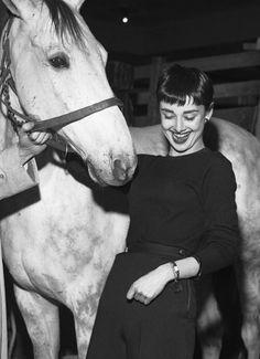Audrey Hepburn, 30th March 1954. #セレブ #ヘップバーン