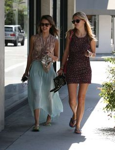 Jessica Alba - Shopping Candids in Beverly Hills