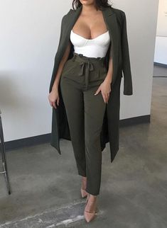 Best Outfits chic fashion outfits ideas casual work clothes womens fashion amazing clothes how to wear casual outfits Classy Outfits, Chic Outfits, Trendy Outfits, Fall Outfits, Fashion Outfits, Womens Fashion, Night Out Outfit Classy, Woman Outfits, Ladies Fashion