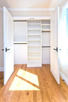 Excellent layout for a small closet.  #apartment #space #storage #organization #organize #wardrobe #shelving