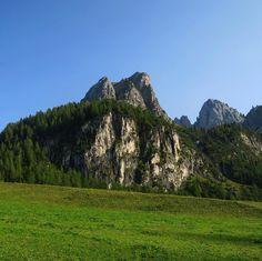 Ich schaue dorthin wo der Weg mich führt. #intirol #wandern #herbst Half Dome, Mountains, Nature, Travel, Hiking, Autumn, Viajes, Naturaleza, Destinations