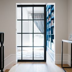 Oto nasze drzwi loftowe LUMO w wersji przesuwnej. Zapraszamy. #drzwiloftowe #drzwiindustrialne #loft #kerno #lumo #drzwi #loftdoors #loftstyle #biblioteka #książki #books #light #bookwarm #loftdesign #design #lofthouse #loftlight #bialystok #podlasie #loftinspiration #arch #architecture #love #lovedesign Divider, Bright, Room, House, Furniture, Instagram, Home Decor, Design, Asia