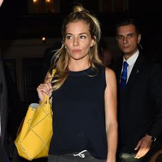 Sienna Miller Shows Off a Brit Girl Hair Trick at London& Apollo Theatre Sienna Miller Hair, Sienna Miller Style, Looks Street Style, Looks Style, My Style, Style Hair, Casual Outfits, Fashion Outfits, Womens Fashion
