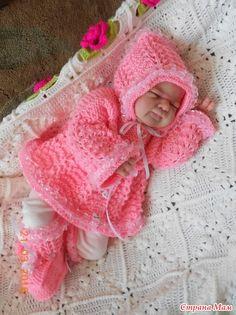 Комплекты для новорожденной малышки.