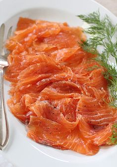 The Galley Gourmet: Home Cured Gravlax by thegalleygourmet: Easy to make in your own kitchen and no cooking is required! #Gravlax #Salmon