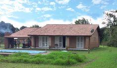 Casa 5 Quartos, piscina, construída com pedra gress.