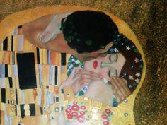 """Copia del dipinto """"Il bacio"""" di Klimt. Particolare dell'opera http://www.tuttiquadri.it/klimt/il-bacio.htm"""