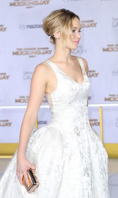 """Jennifer Lawrence at the premiere of """"Mockingjay part.1"""" in Los Angeles, 2014."""