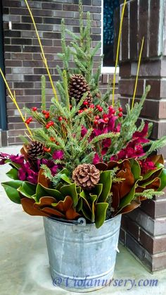 35 Fancy Outdoor Holiday Planter Ideas To Enliven Your Christmas Day - Weihnachten Christmas Urns, Christmas Flowers, Outdoor Christmas Decorations, Rustic Christmas, Christmas Projects, Winter Christmas, Christmas Holidays, Winter Porch, Christmas Shopping