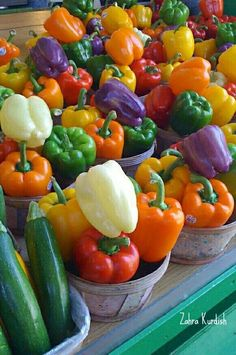 ~Colorful peppers at Jean Talon Farmers Market Montreal~ Want to see more beautiful images? Fresh Fruits And Vegetables, Fruit And Veg, Nutrition, Food Photography, Food And Drink, Stuffed Peppers, Healthy Recipes, Beautiful Images, Colors