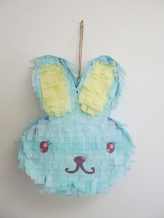 DIY Rabbit Pinata from Lovely Beasts Birthday Pinata, Bunny Birthday, Birthday Crafts, Birthday Ideas, Bunny Party, Easter Party, Cute Crafts, Diy Crafts, Diy Ostern
