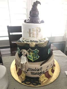 Cake Ideas For Boys Birthday Harry Potter 33 Ideas Harry Potter Desserts, Bolo Harry Potter, Gateau Harry Potter, Harry Potter Birthday Cake, Harry Potter Food, Harry Potter Wedding, Harry Potter Theme, Harry Potter Movies, Harry Potter Wallpaper