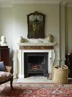 Stylish Country House Interior Ideas, from getting the modern country look, to traditional cottage decor. Interior design pictures and inspiration. Interior Design Pictures, Interior Inspiration, Mantle Styling, Country House Interior, Grand Homes, Selling Antiques, Modern Country, Cool Chairs, Cottages