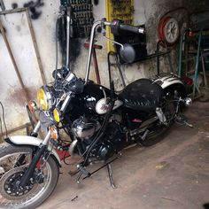Yamaha Virago, Bobber Bikes, Vintage Motorcycles, Old School, Addiction, Vehicles, Inspiration, Biblical Inspiration, Car
