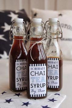 Chai er en type te som er godt krydret og veldig god. Chai latte (Chai-te blandet med steamet melk) er en favoritt hos meg når jeg er på kafé, og jeg ville der
