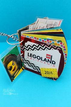 #ad Creative Theme Park Brag Book Craft featuring LEGOLAND California with Undercover Tourist http://www.momsandmunchkins.ca/2014/07/20/legoland-california/ #UndercoverTourist